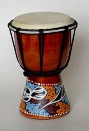 Buben malovaný